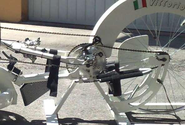 Particolare accoppiamento handbike-ciclomulino